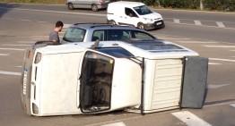 La furgoneta bolcada a St Lluís no tenia assegurança ni havia passat la ITV