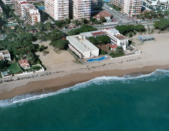 Els hotels de la zona prefereixen esperar a l'estiu