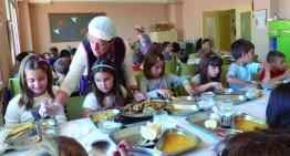 Ja es poden demanar els ajuts de menjador escolar pel curs vinent