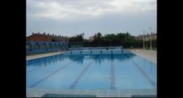 Comencem la setmana regalant 10 entrades a la piscina municipal!