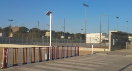 L'ajuntament de Palafolls restringeix l'accés nocturn a l'aparcament de l'institut