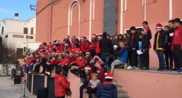 200 alumnes de 6è i 1r d'ESO canten conjuntament una nadala en anglès