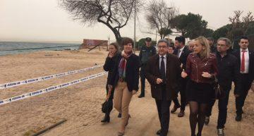 (febrer 2017) Visita del Delegat del Govern espanyol, Enric Millo (mig), amb la cap de la Demarcació de Costes, Maria Toledano (dreta) i l'alcaldessa de Malgrat, Carme Ponsa Esquerra. RP