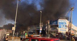 Incendi en un taller de PLF al polígon Mas Roquet