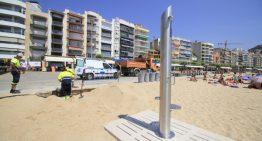Les platges de Blanes ja tenen instal·lades dutxes i passeres