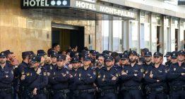 Els policies nacionals i els guàrdia civil allotjats a Pineda continuen als hotels