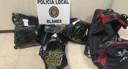 Dos detinguts amb 8 quilos de marihuana al cotxe