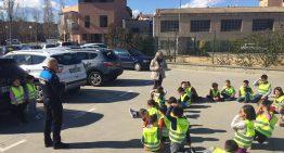 Alumnes de les Ferreries aprenen consells de seguretat viària amb la Policia local