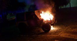 Palafolls comença l'abril amb un accident, un cotxe en flames i un bus avariat