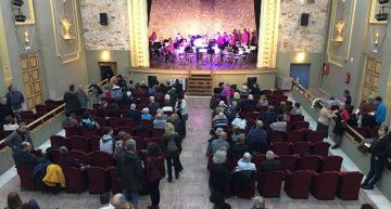 Els alumnes de l'Escola de Música fan audicions de Sant Jordi al teatre