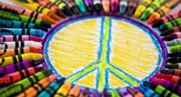 Les escoles de Palafolls fan una crida a la pau per celebrar el Dia Escolar de la No Violència