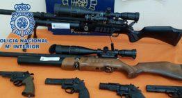 Desmantellen un narcopis a Pineda i comissen13 armes de foc