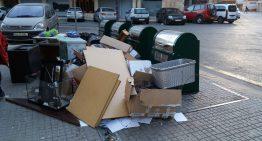 Pineda endureix les sancions per abocaments de residus a la via pública
