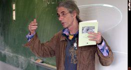 L'Institut celebra demà l'últim Poesia als Barracons de l'any amb Enric Casasses