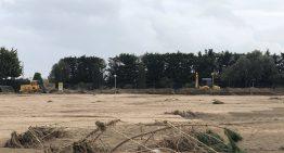 Comencen a retirar dels camps les tones de fang acumulades pel temporal Gloria