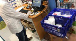 Les farmàcies comencen a repartir mascaretes amb el sistema informàtic col·lapsat
