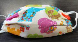 Busquen roba estampada per poder confeccionar mascaretes pels infants