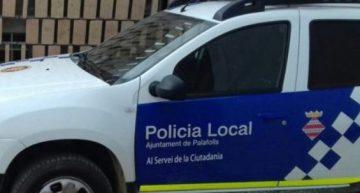 Investiguen robatoris en diversos vehicles estacionats davant el parc aquàtic