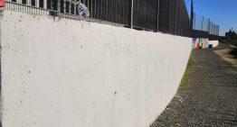 Palafolls habilita una paret de l'institut per a fer graffitis