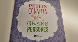 Palafolls reparteix un llibre de suport a la gent gran amb consells davant la pandèmia