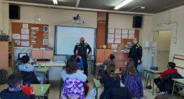La Policia Local torna a les aules per parlar de l'assetjament i la ciberseguretat