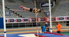 Nuria Souto es proclama campiona de Catalunya en salt de perxa i Fitó campiona en els 1000m