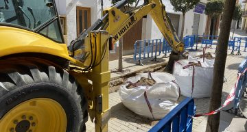 Arrenquen les obres del tram del carrer Major malmès per la rebentada d'una canonada d'aigua