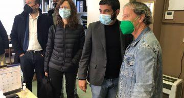 La Comunitat Terapèutica del Maresme rep la visita del conseller el Homrani, amb el recentment estrenat Hospital de Dia