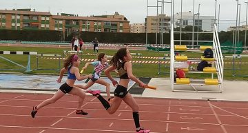 Les atletes Souto, Massó, Torralba i Páez s'imposen a la sèrie de 4×60 i s'encaminen a la final