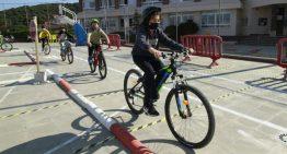 La Policia Local de Blanes converteix en itinerant la seva formació viària entre els alumnes del municipi