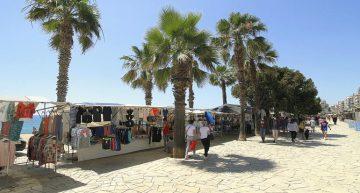 Blanes recupera totes les parades del mercat de teixits