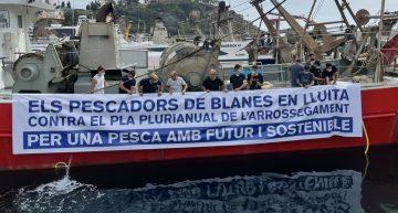 Els pescadors de Blanes protesten contra les restriccions a la pesca d'arrossegament